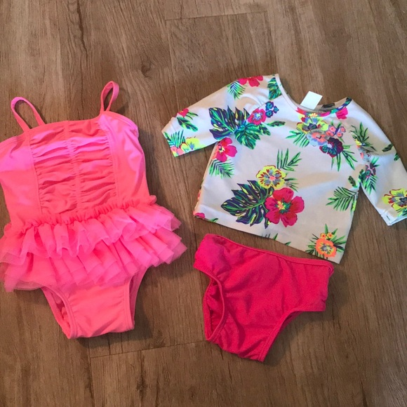 15405b7fe2652 Baby girl 3-6 month bathing suits. M_5a6747a56bf5a60e3a688e1a